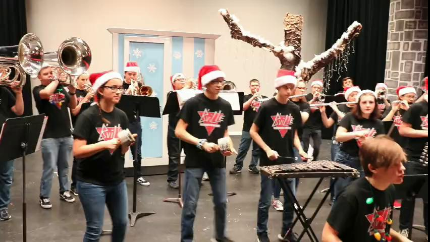 Baldwinsville band gets us in the holiday spirit